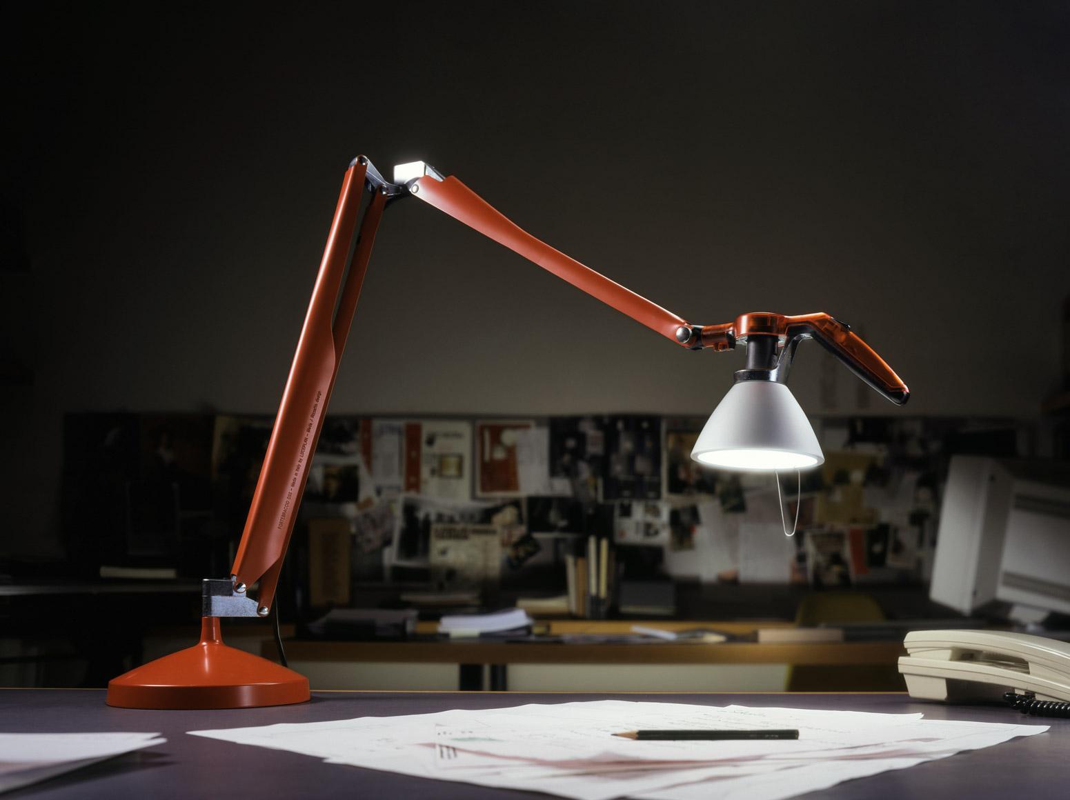Donato Di Bello Image Evolution Lampada Da Tavolo Fortebraccio Luceplan